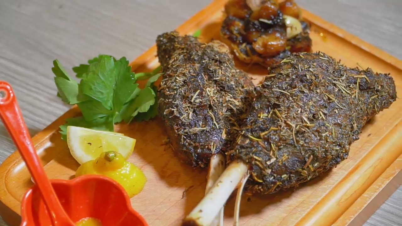王子煮場  - 慢烤羊膝(亞洲風) 四個技巧羊肉肉香不羶