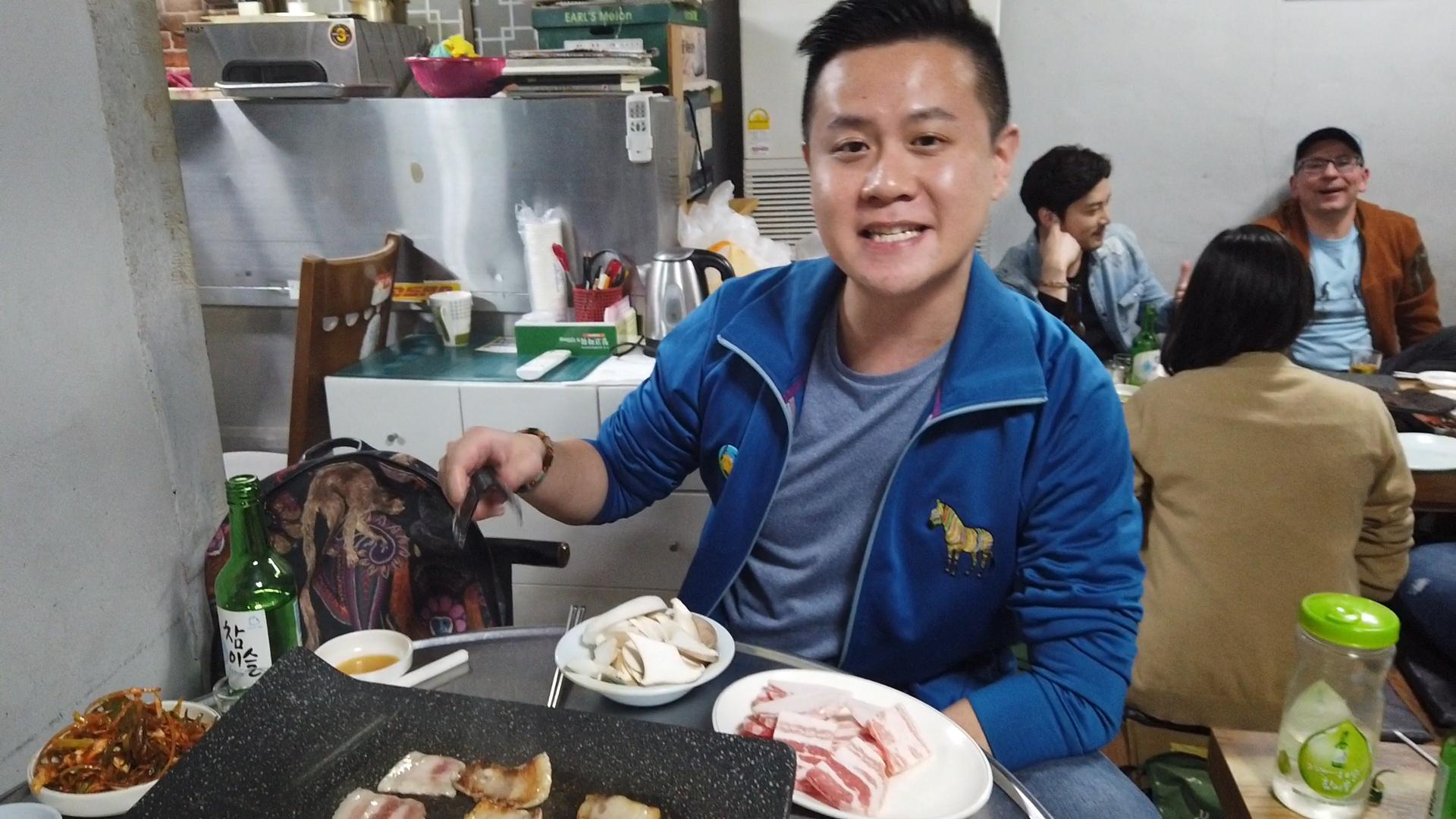 【Deluxe】王子出巡日記 ─ 首爾站:輕鬆遊首爾 韓國美食必吃清單 —— 烤韓牛 醬油蟹