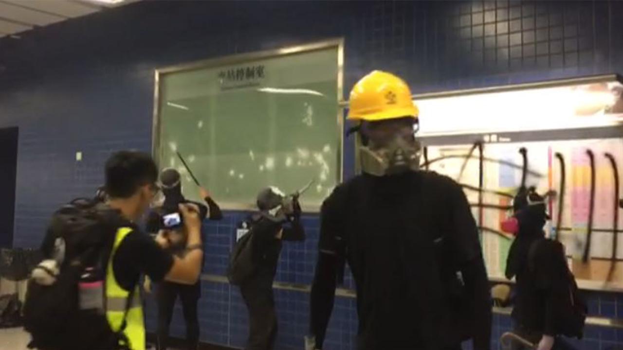 【十一.沙田】示威者快閃大圍站破壞(拍攝︰鍾妍   剪接︰邱煦明)