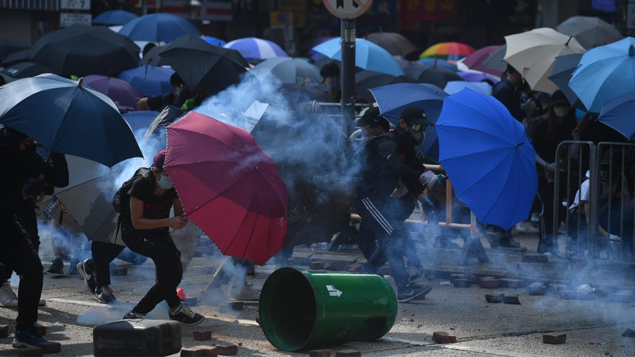 警尖沙嘴射催淚彈驅散示威者(拍攝:艾博瑜、剪接:鮑錦瑤)