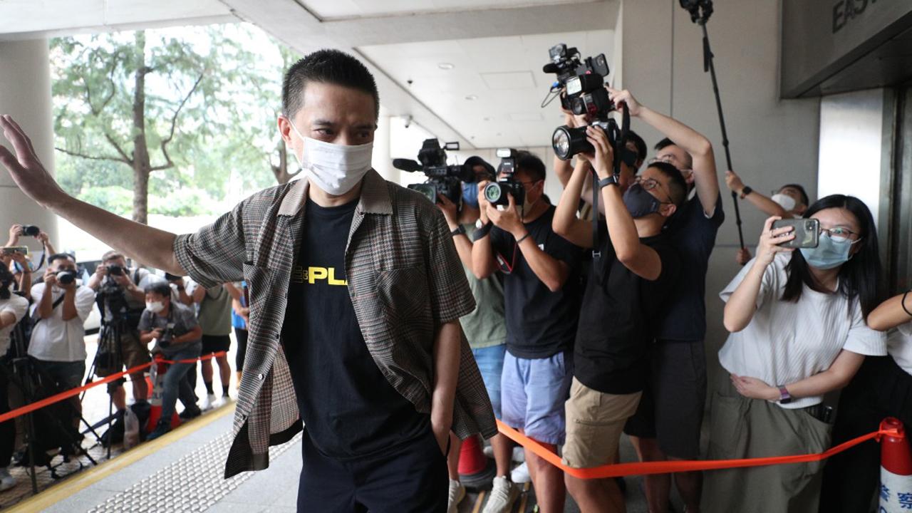 黃耀明區諾軒涉選舉舞弊獲撤控 自簽守行為18個月【短片】